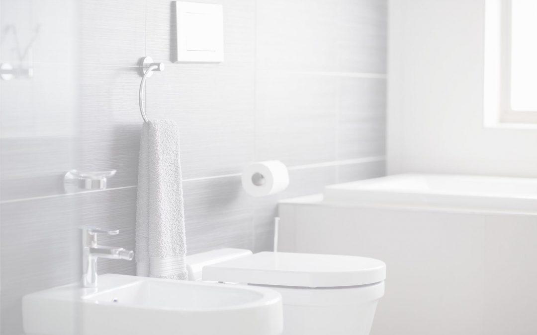 Villámgyors fürdőszobatakarítás: takarítószerek és stratégia profiktól